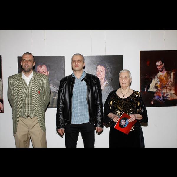 След изключителните портрети през 2017 г., Иван Чакъров отново ще ни изненада с новата си изложба.