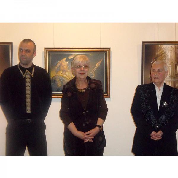 галерия Възраждане представя магичната Виолета Радкова с най-новите ѝ картини